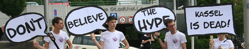 Aktion der Inititative Bürgerstolz & Stadtfrieden Foto: ®Ulf Engelmayer