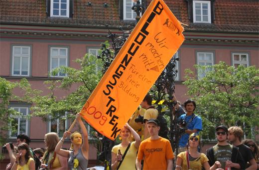 Der Bildungsstreik erreicht das Gänselliesel Foto: Ulf Engelmayer